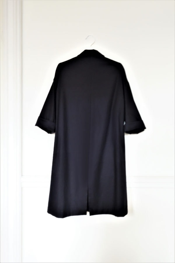0010 Coat Pockets - Organic Cotton Twill_Black - 2 back_sleeves up