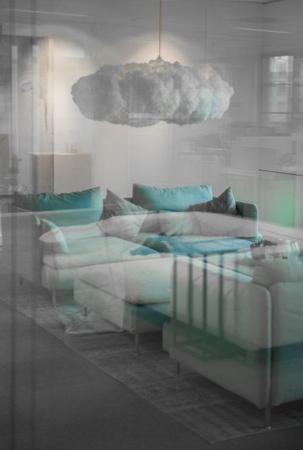 Décors d'intérieur avec nuage suspendu