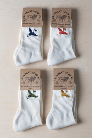 Ornament hemp socks with crane embroidery
